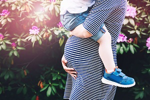 6 tips for being pregnant with a toddler