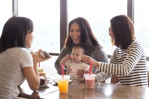 How to eat out when your baby is starting on solid foods