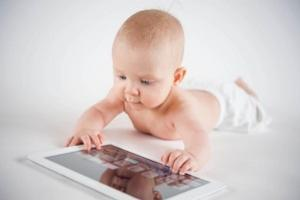 Screen time for babies and toddlers