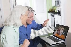 How to keep in touch with grandparents